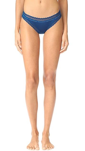 Calvin Klein Underwear Signature Bikini Briefs