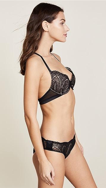 Calvin Klein Underwear Audacious Push Up Plunge Bra
