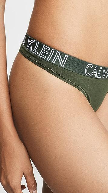 Calvin Klein 钢托文胸 Ultimate 棉质丁字裤