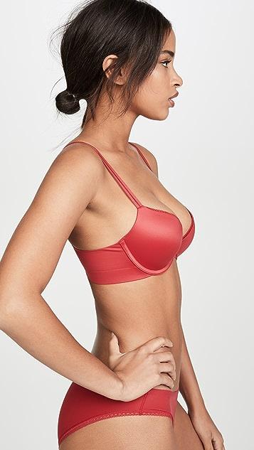 Calvin Klein Underwear Liquid Touch 魔术集中低 V 文胸