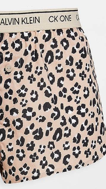 Calvin Klein Underwear CK One 梭织棉质居家短裤
