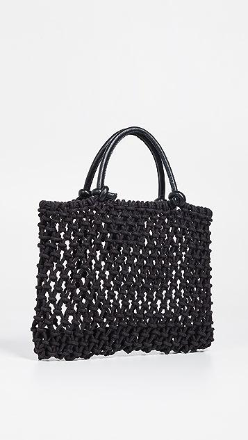 ClareV. Миниатюрная объемная сумка с короткими ручками Sandy