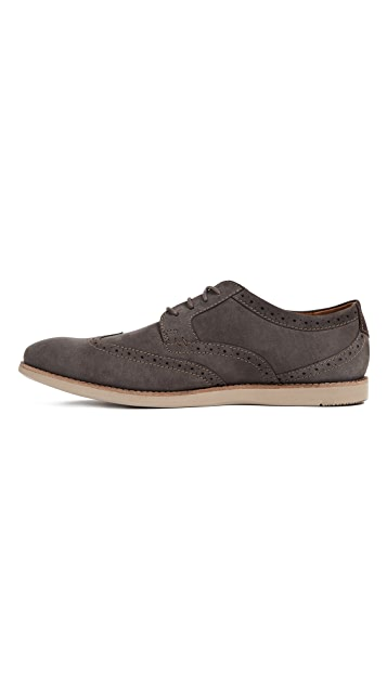 Clarks Raharto Wing Lace Up Shoes