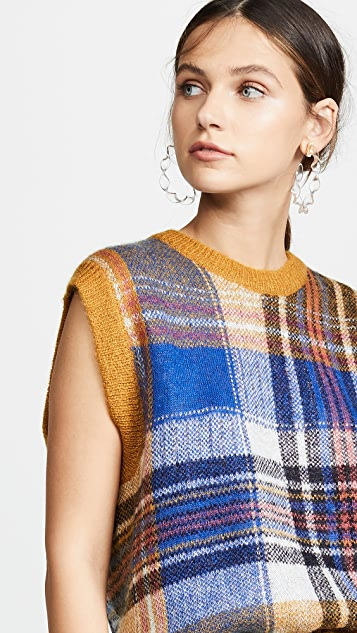 Closed Plaid Sleeveless Knit