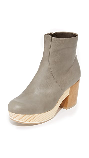 Coclico Shoes Tickle Clog Booties