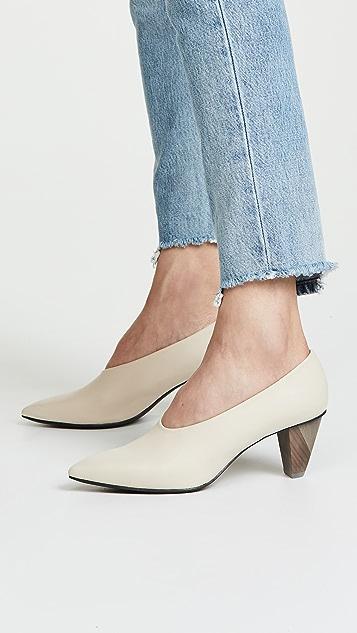 Coclico Shoes Jackii Point Toe Pumps