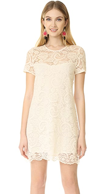 cupcakes and cashmere Shea Cap Sleeve Lace Wing Dress