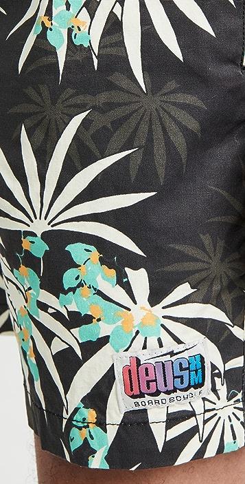 Deus Ex Machina Sandbar Monkey Puzzle Shorts