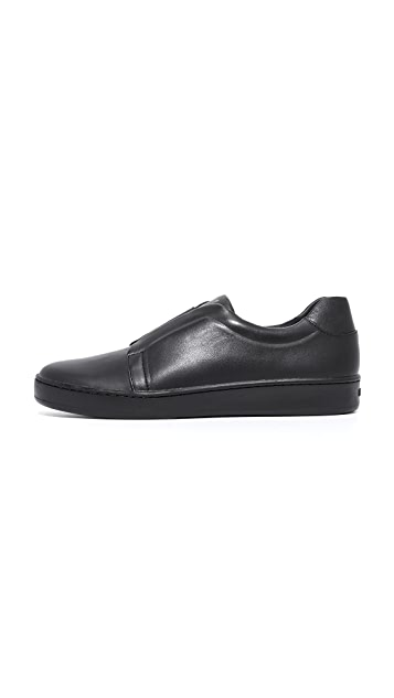 DKNY Bobbie Classic Court Sneakers