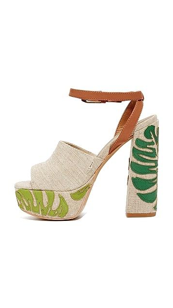 Dolce Vita Lando Platform Sandals