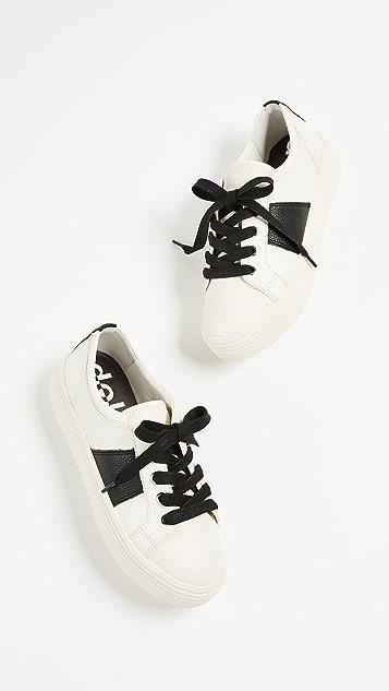 Dolce Vita Tavina Sneakers