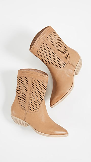 Dolce Vita Union Western Boots