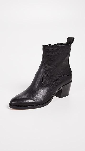 Dolce Vita Daliss Block Heel Booties