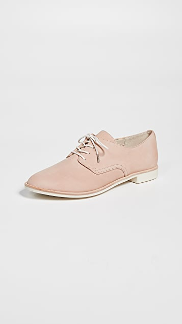 Dolce Vita Kylie Lace Up Oxfords - Nude