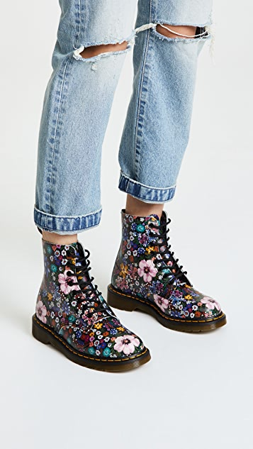 Dr. Martens Pascal WL 8 Eye Boots