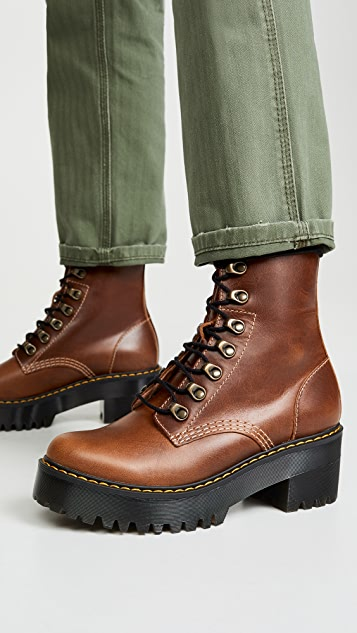 Dr. Martens Туристические ботинки Leona