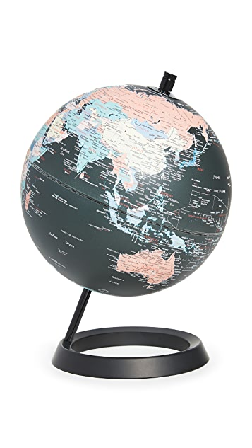 East Dane Gifts Globe with Swivel Stand