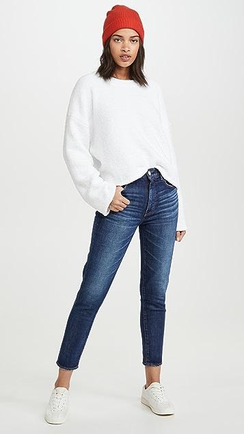 525 Мягкий свитер с округлым вырезом