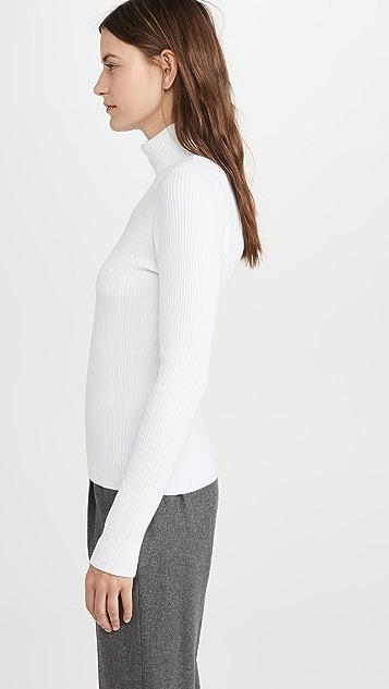 525 Пуловер в рубчик с воротником под горло