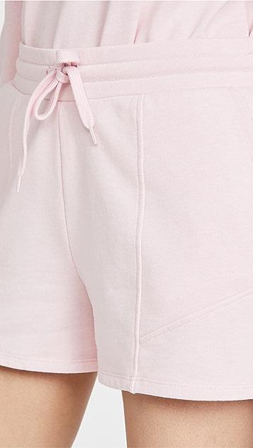 525 Distressed Wash Seam Detail Shorts