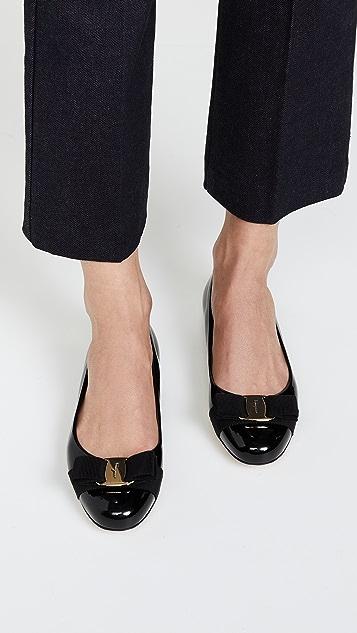 Salvatore Ferragamo Обувь на плоской подошве Varina