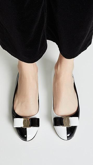 Salvatore Ferragamo Обувь на плоской подошве Varina 19
