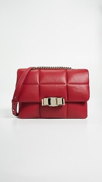 Salvatore Ferragamo Мягкая сумка на ремне Vara