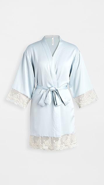 Flora Nikrooz 蔷薇软缎刺绣和服