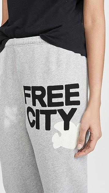 FREECITY Спортивные брюки Superfluff OG
