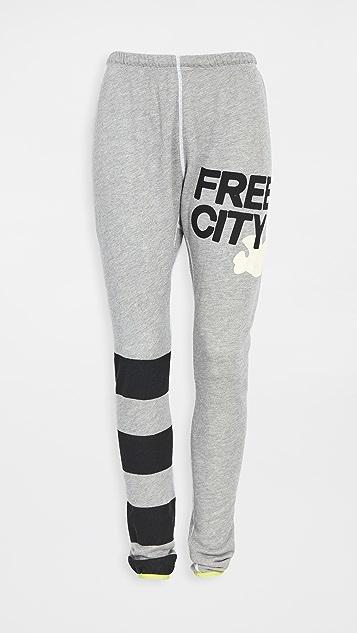 FREECITY Spacestrikes Superfluff Lux 暖腿套