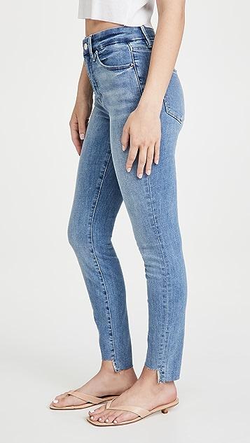 Good American Good Legs 交叠裤脚毛边牛仔裤