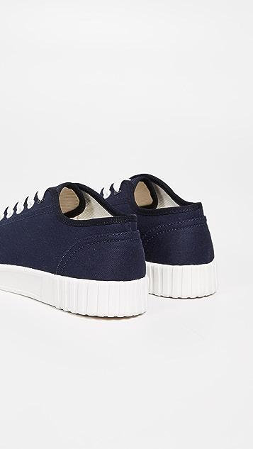 Good News Bagger Low Top Sneakers