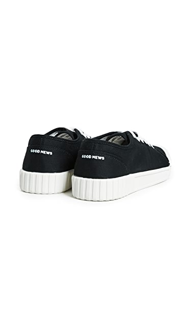 Good News Bagger Low Top Sneakers