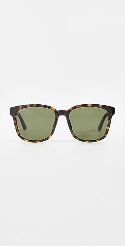 Gucci - Logo Classic Wayfarer Sunglasses