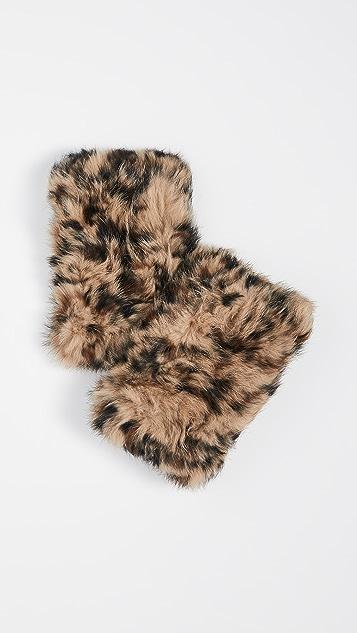 Hat Attack Fur Handwarmer