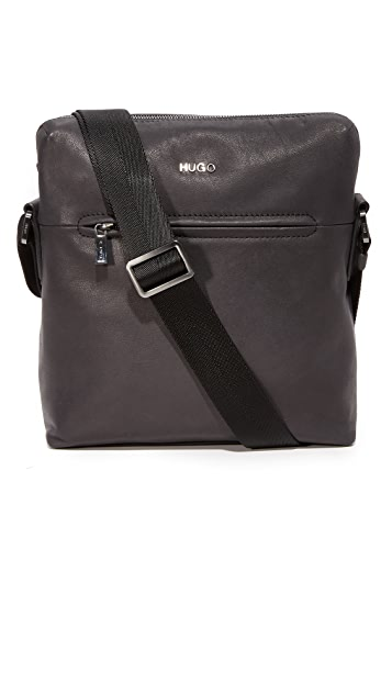 HUGO Highway Leather Reporter Messenger Bag