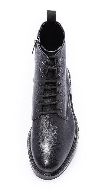 HUGO Defend Boots