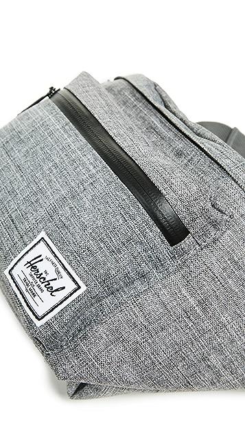 Herschel Supply Co. Classics Seventeen Hip Pack