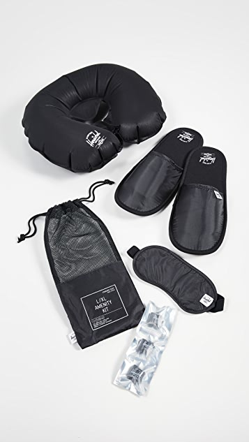 Herschel Supply Co. Ripstop Amenity Kit