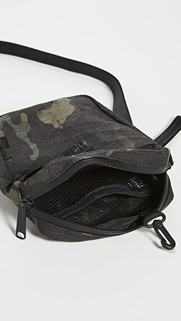 Herschel Supply Co. Studio Cruz Bag