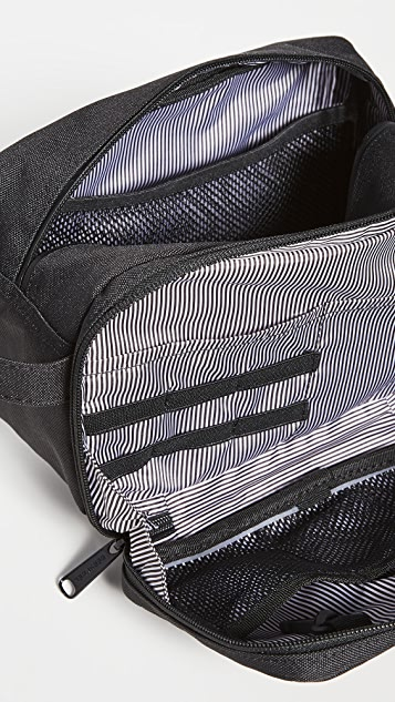 Herschel Supply Co. Chapter X-Large Travel Kit