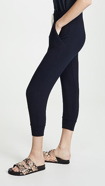 MONROW Укороченные спортивные штаны