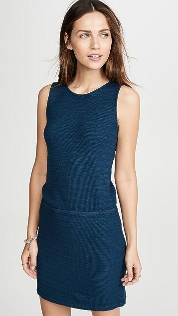 MONROW Платье с перекрещенной спинкой из ткани в рубчик