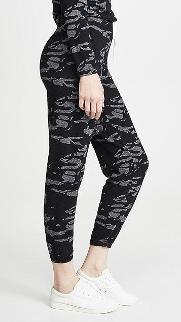 MONROW Винтажные спортивные брюки с камуфляжным принтом