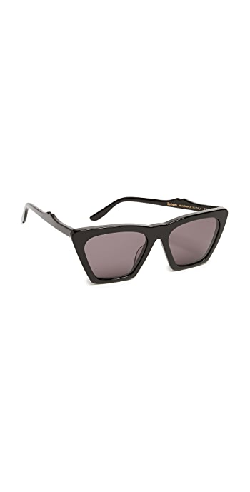 Illesteva Lisbon Sunglasses - Black