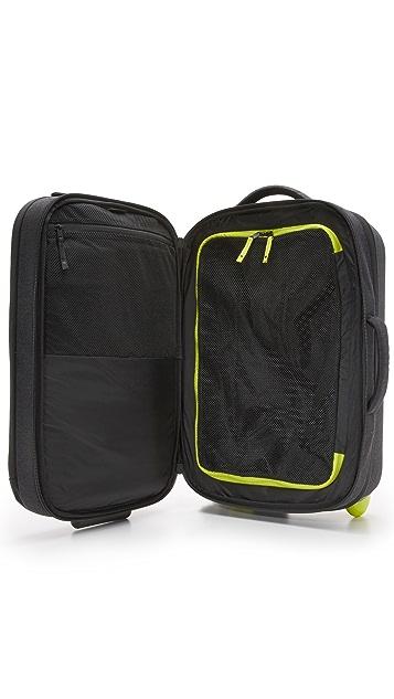 Incase EO Roller Suitcase
