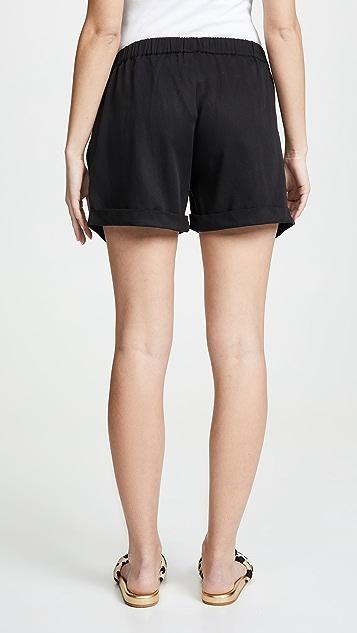 Ingrid & Isabel Easy Elastic Waist Shorts