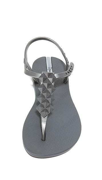 Ipanema Cleo T Strap Sandals