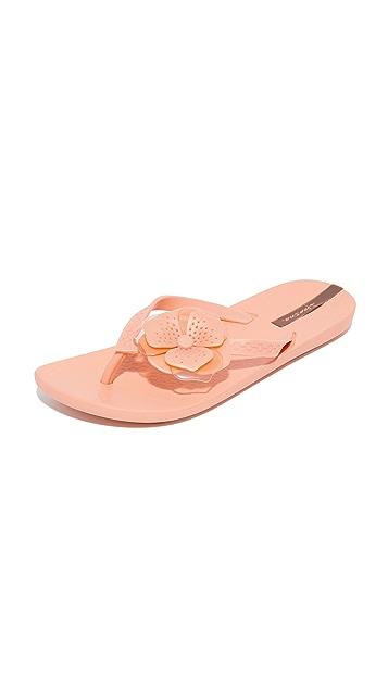 Ipanema Neo Petal Flip Flops