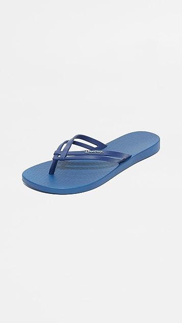 Ipanema Hashtag Flip Flops - Navy